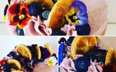 Natural edible decorations
