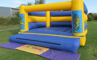 It's Funtime Bourne Bouncy Castle And Soft Play Hire 3