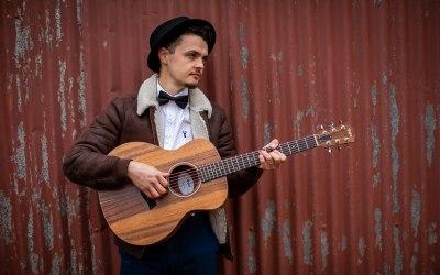 Ash Francis | Wedding Singer & Acoustic Guitarist 2