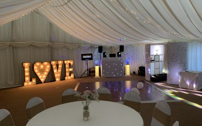 Rustic Wedding DJ Photobooth & Love Letters