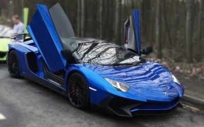 Lamborghini Aventador Roadster SV (blue)