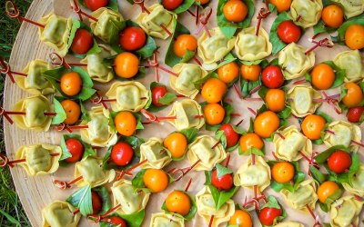 Tortellini sate, with cherry tomatoes & fresh basil leaves
