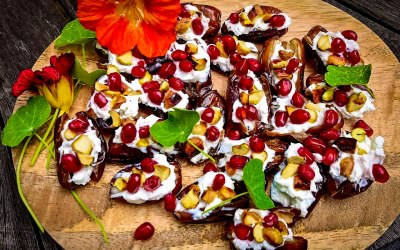 Dates with goats cheese, pistachio & pomegranate