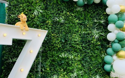 Our luxury Jungle wall, perfect for Baby showers, Weddings, Birthdays, Christenings, Hen Parties and more
