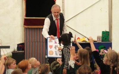 Mr Bimbamboozle's Puppet Magic 6