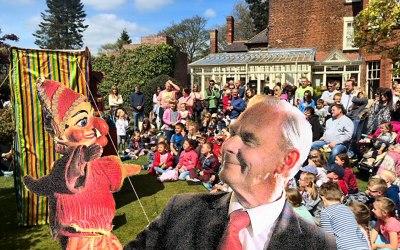Mr Bimbamboozle's Puppet Magic 3