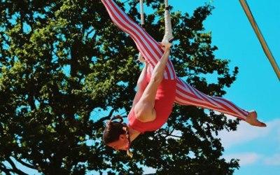 Aerial Trapeze Performances
