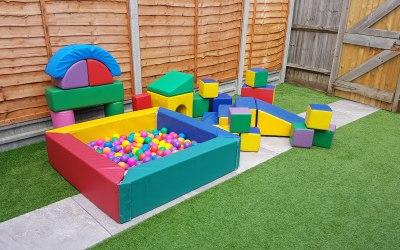 DinoTots Bouncy Castle & Soft Play hire  6