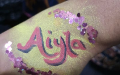 Body art with glitter