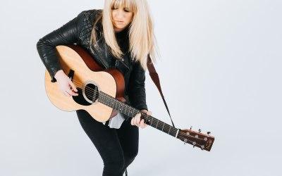 Chloe Acoustic 4