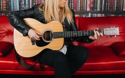 Chloe Acoustic 1