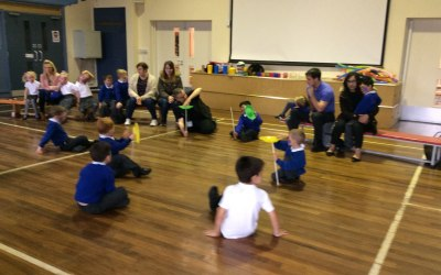 Plate spinning - Long Lee Primary.