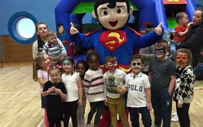 Face Painter, Balloon Modelling and Mascot hire Glasgow:  https://www.splashinflatables.com/category/face-painting-deals#BodyContent