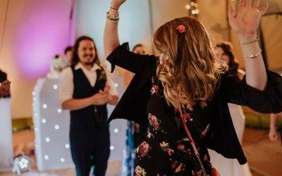 Atmospheric Audio: Wedding & Party DJ 7