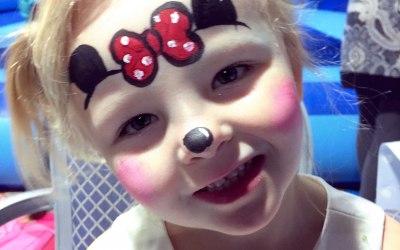 Minnie Mouse face paint