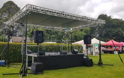 Smart and compact staging systems bring a focal point to any event