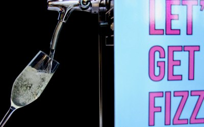Free flowing prosecco!