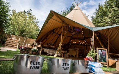 Rebecca & Paul's garden tipi wedding