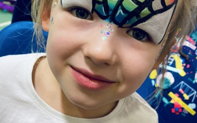 Ayrshire Face Paints & Glitter Bar 7