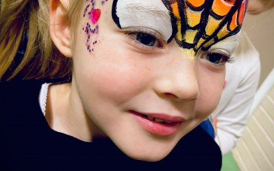 Ayrshire Face Paints & Glitter Bar 6