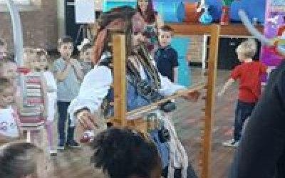Spinning Top Children's Entertainment  3