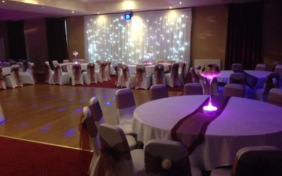 Table Decoration and Backdrop Razzmatazz Occasions