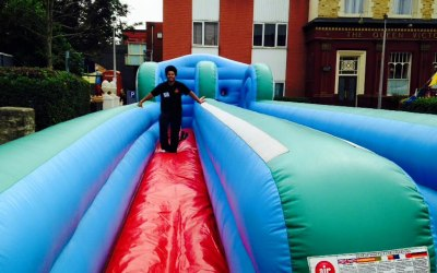 Inflatable Fun - Bungee Run
