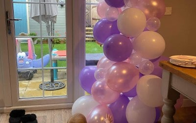 Half a balloon arch for a 1 year old
