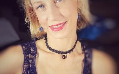 Anna Scott - Singer, Performer 6