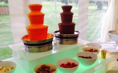 Twin fountains offering a choice of two different colours or flavours