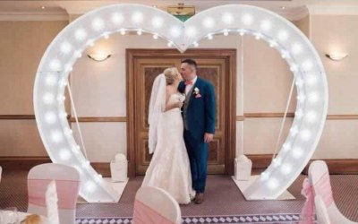 8ft LED heart arch