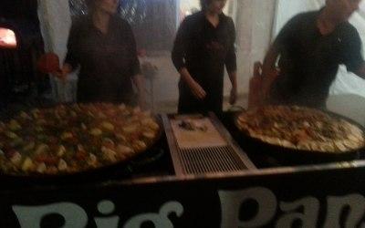 Big pan paella