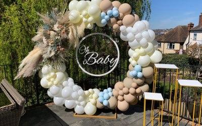 Balloon hoop for baby shower