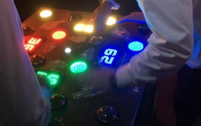 2 and 4 player Strike a light reaction machines