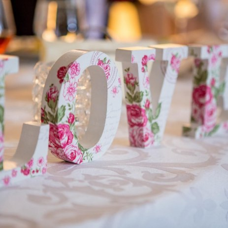 flower letter & number hire suppliers