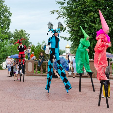 Stilt Walkers Hire