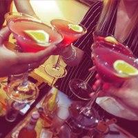 Cocktail Masterclass, Making Cosmopolitans