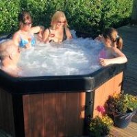 Hire this Hot Tub Spa for the whole weekend for just £195